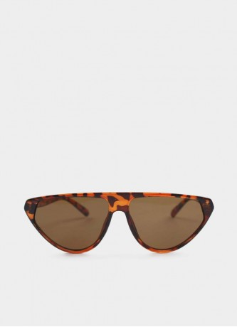 Cat-eye sunglasses tortoise