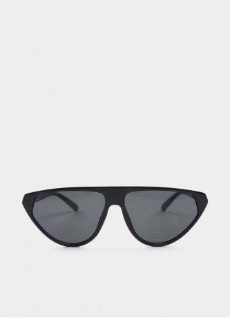 Cat-eye sunglasses black
