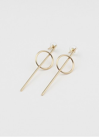 Circle strike earrings gold